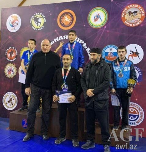 Azərbaycan güləşçiləri Dağıstanda bir dəst medal qazanıb