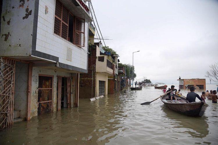 Hindistanın cənubunda güclü yağışlar nəticəsində ölənlərin sayı 25 nəfərə çatıb - YENİLƏNİB