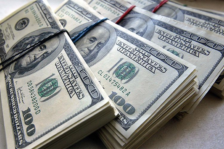 Нефтяной фонд сократил продажу валюты