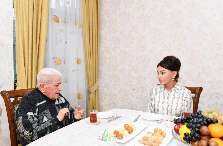 Мехрибан Алиева побывала в гостях у народного артиста Алибабы Мамедова - ОБНОВЛЕНО