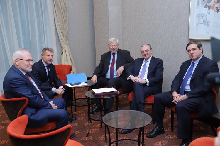 Началась встреча главы МИД Армении с сопредседателями Минской группы ОБСЕ