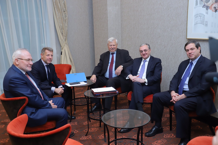 Meeting of head of Armenian MFA with OSCE Minsk Group co-chairs starts