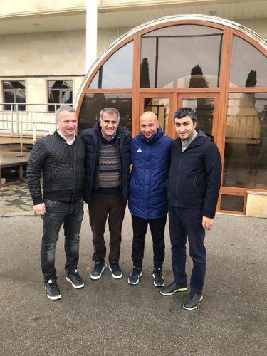 Shenol Gunesh arrives in Baku