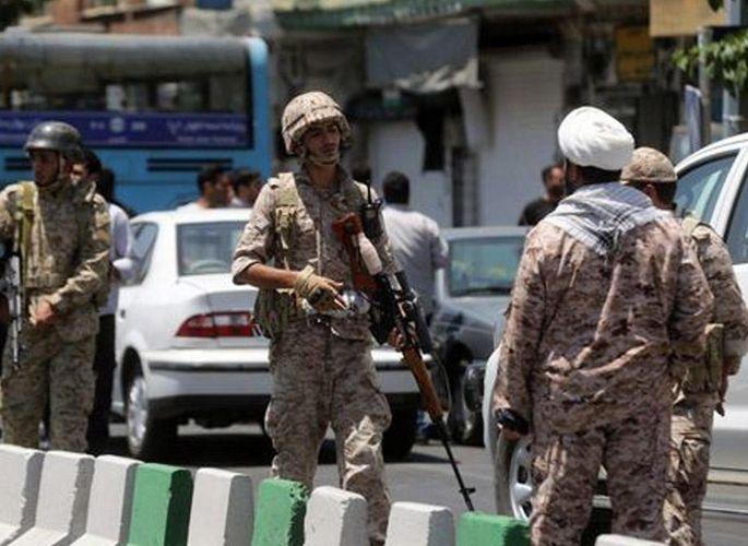 Tehranda silahlı insident baş verib, ölən və yaralananlar var
