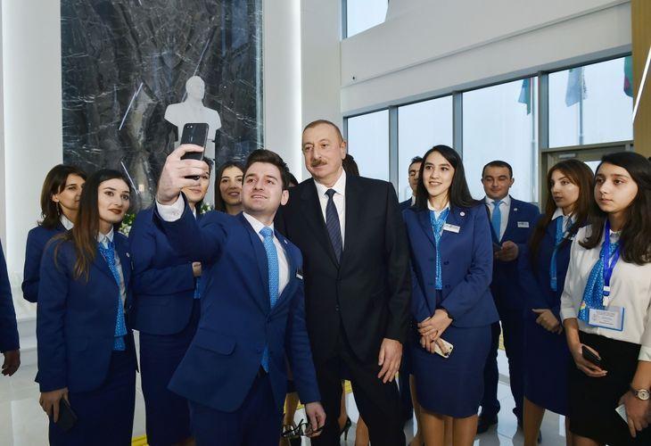 Президент Азербайджана: Перед волонтерами открыты все возможности