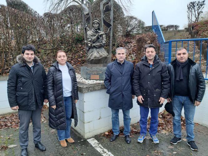 Tural Ganjaliyev visits monument of Khurshidbanu Natavan in Belgium