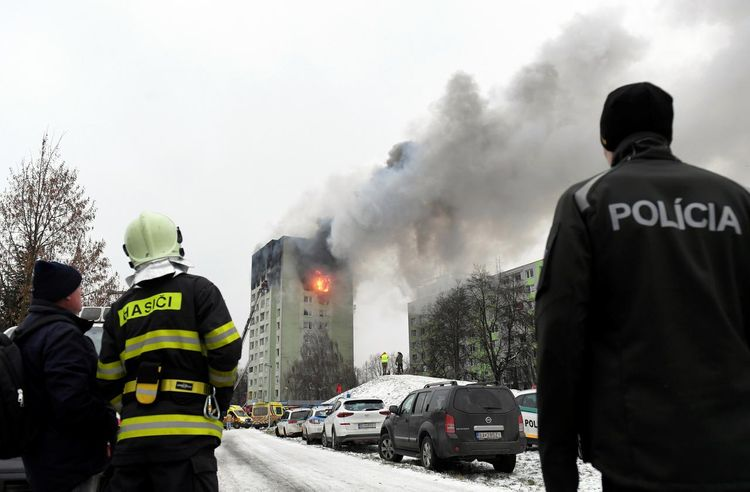 Gas explosion kills five in apartment block in Slovakia - UPDATED