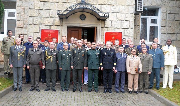 Состоялось собрание с участием военных атташе и представителей международных организаций
