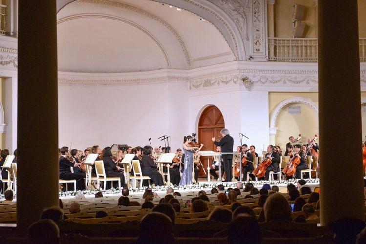 Türkiyədə yaşayan azərbaycanlı dirijorun rəhbərliyi ilə Azərbaycan Dövlət Simfonik Orkestrinin konserti olub