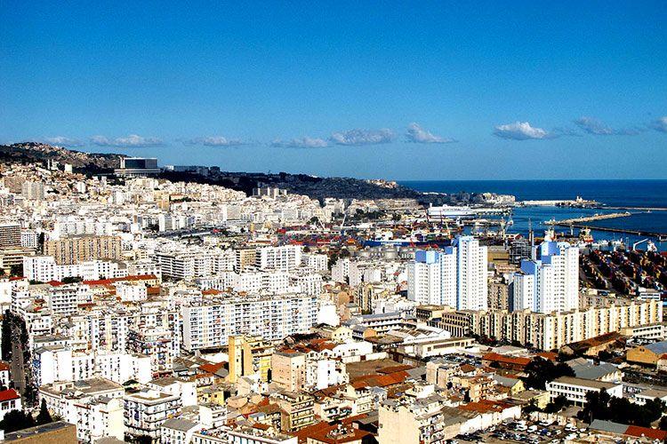 В Алжире двум экс-премьерам грозит тюремное заключение