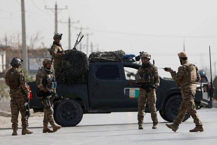 При подрыве автомобиля на юге Афганистана погибли восемь военных - СМИ