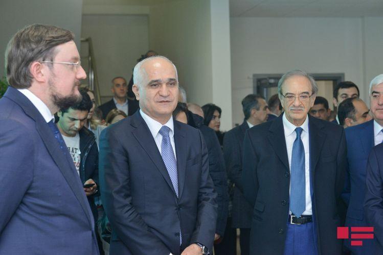 В Баку открылось предприятие по производству медицинских препаратов