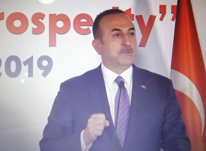 """Mövlud Cavuşoğlu: """"Fransada mətbuata edilən təzyiqləri qətityətlə qınayırıq"""""""