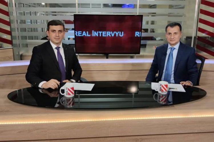 """Mirşahin Ağayev: """"102 FM tezliyinin Çingiz Mustafayevin adına heç bir aidiyyəti yoxdur"""" - VİDEO"""