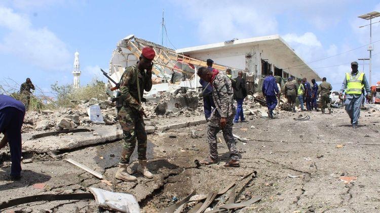 В Сомали пять человек погибли при нападении боевиков на отель