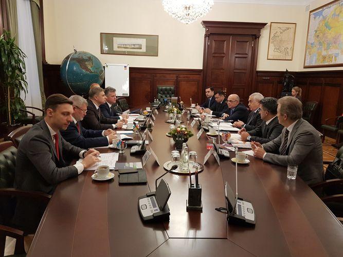 Расширяется сотрудничество между железными дорогами Азербайджана и России