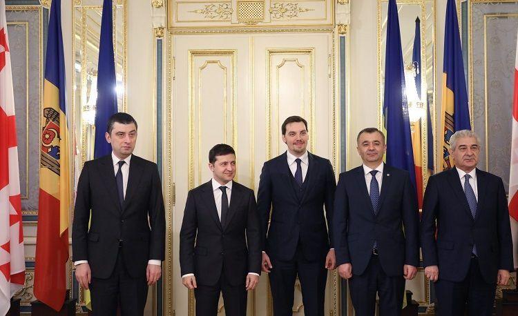 Вице-премьер Азербайджана встретился с Владимиром Зеленским
