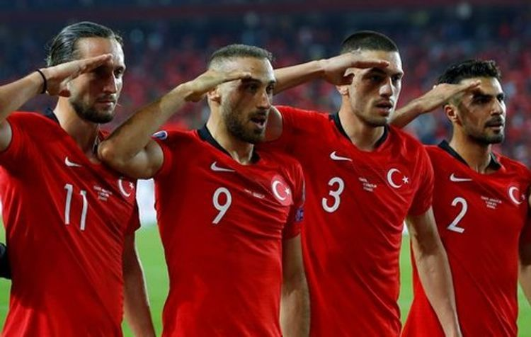 УЕФА принял решение в связи с воинским приветствием турецких футболистов