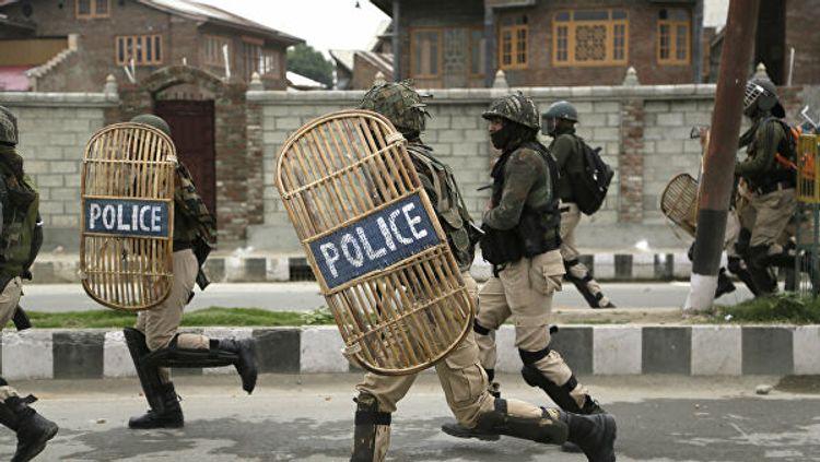 В Индии произошли столкновения с полицией, есть погибшие