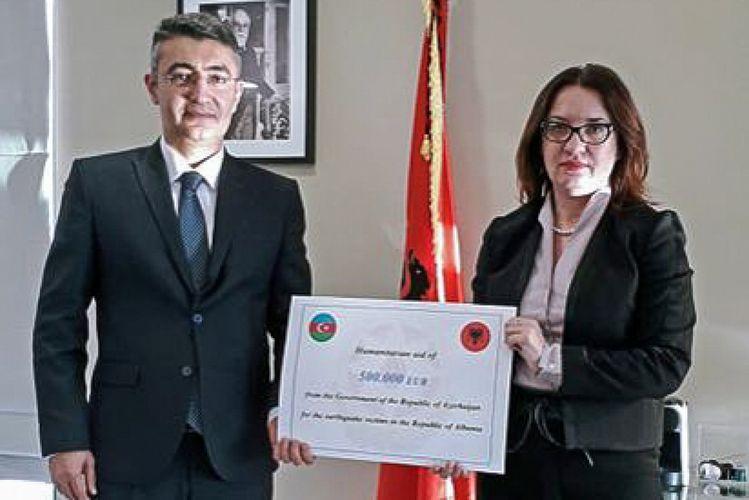 Azerbaijani humanitarian aid officially presented to Albania