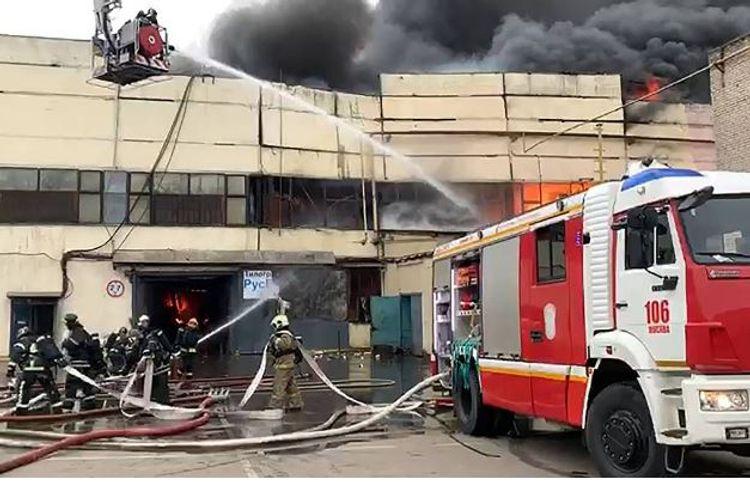Пожар на складе с тканями в Москве потушен - ОБНОВЛЕНО-1