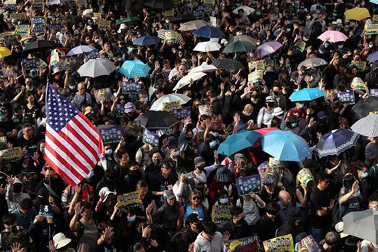 В Гонконге полиция задержала троих подозреваемых в подготовке теракта