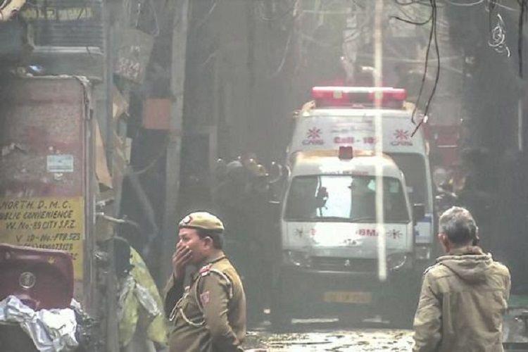 Nyu-Dehlidə baş vermiş yanğın zamanı azı 3 nəfər ölüb