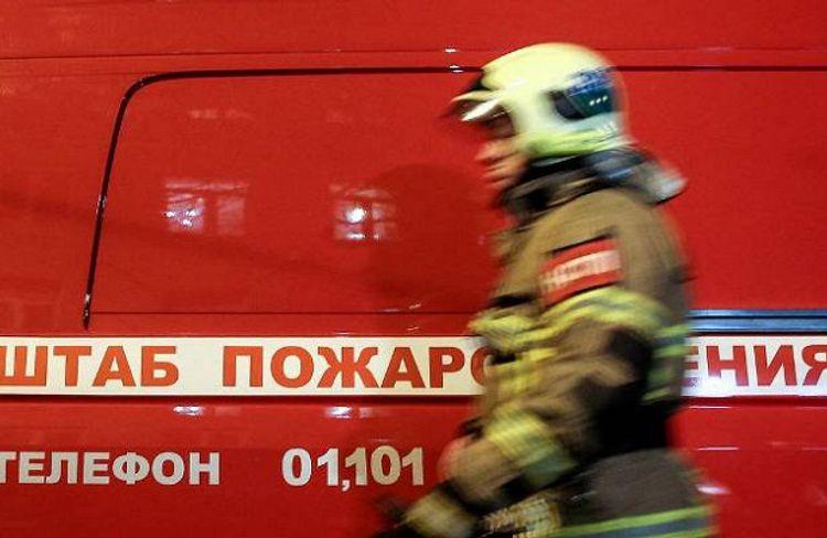 Четыре человека отравились угарным газом при пожаре в России