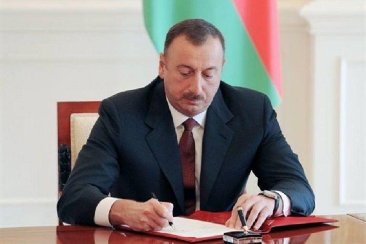 Президент Ильхам Алиев утвердил законы о прожиточном минимуме и о критерии нужды на 2020 год