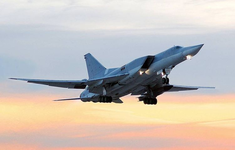 Tu-22M3 strategic bomber makes landing with failed engine in southern Russia