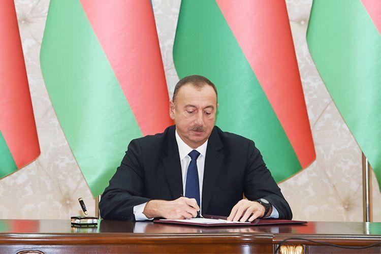 Президент Ильхам Алиев наградил группу лиц, имеющих заслуги в развитии сельского хозяйства - СПИСОК