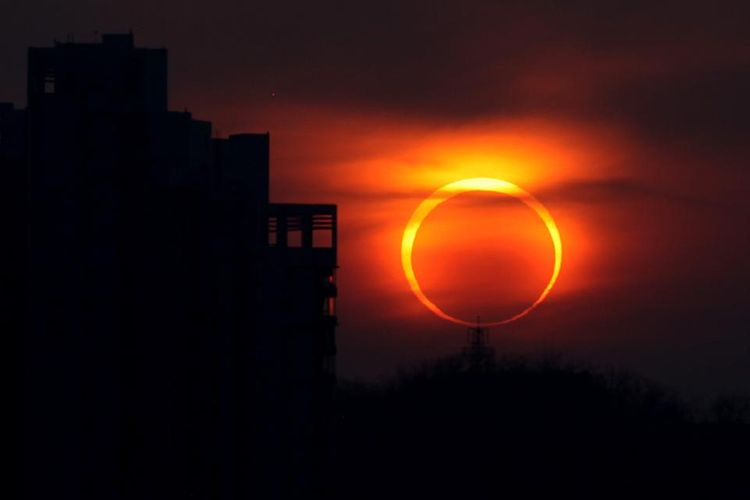 Last solar eclipse of 2019 and decade happens - <span class='red_color'>Live Stream</span>