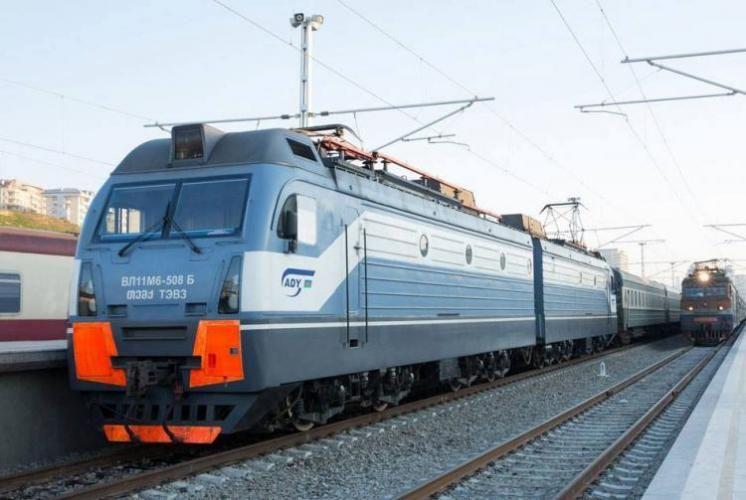 Bakı-Gəncə-Bakı istiqamətində 30 və 31 dekabr tarixlərinə əlavə qatar təyin edilib