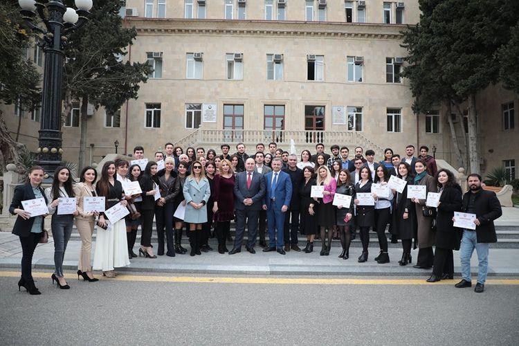 AzTV-nin Televiziya və Radio Akademiyasının müdavimlərinə sertifikatlar təqdim olunub