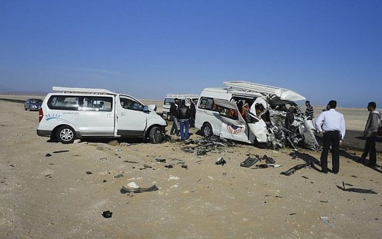Egypt says 22 killed in road crash in country