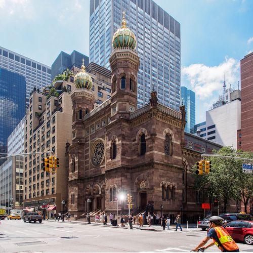 Several injured in stabbing attack at NYC synagogue