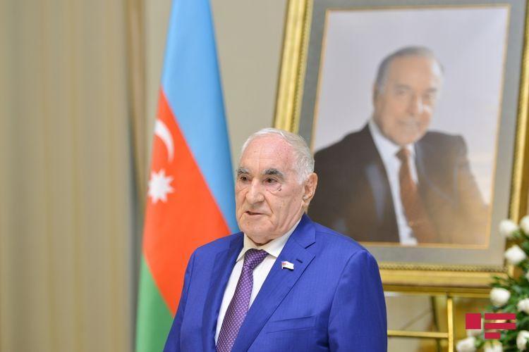 Chairman of Council of Elders Fattah Heydarov congratulates Azerbaijani people