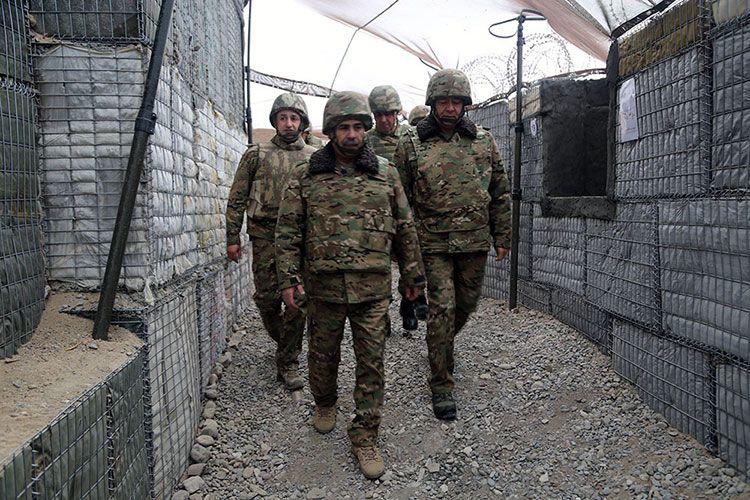 Министр обороны отметил День солидарности азербайджанцев мира вместе с военнослужащими, проходящими службу на фронте - ВИДЕО