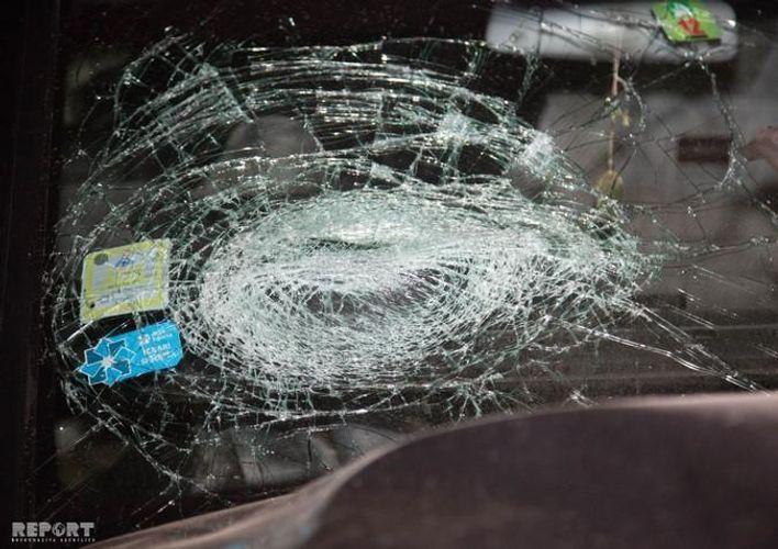 При ДТП в Агстафе пострадали отец и сын