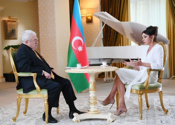 Мехрибан Алиева: Азербайджан и Россия поддерживают друг друга на международной арене - ИНТЕРВЬЮ - ВИДЕО