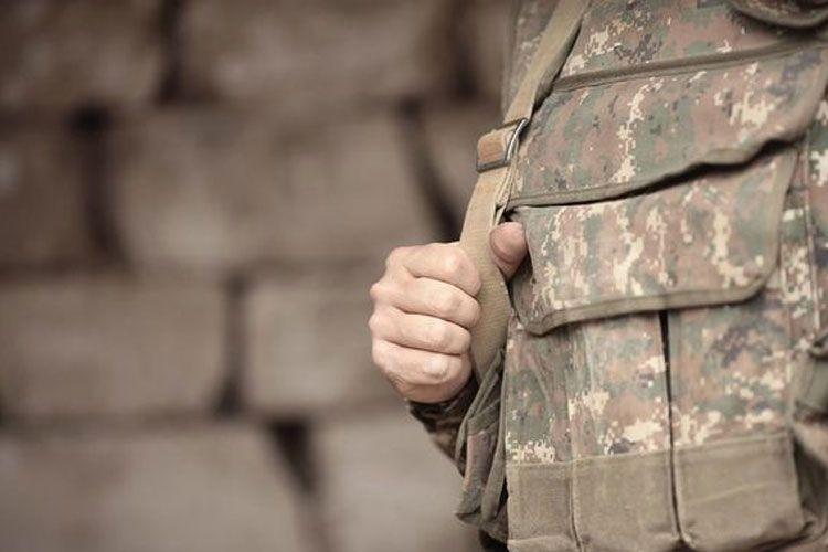 Ermənistanda əsgərin asılmış meyiti tapılıb
