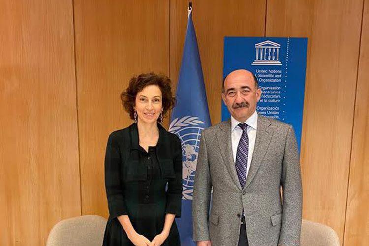 Əbülfəs Qarayev UNESCO-nun baş direktoru ilə görüşüb