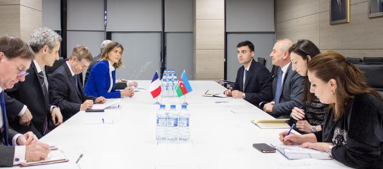 Fransalı deputatlar Azərbaycanda energetika sahəsi üzrə görülən işlərlə maraqlanıb