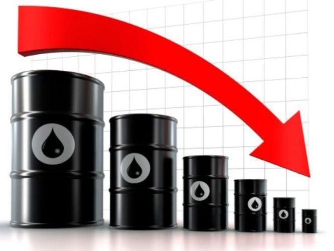 Нефть на мировых рынках продолжает падать в цене
