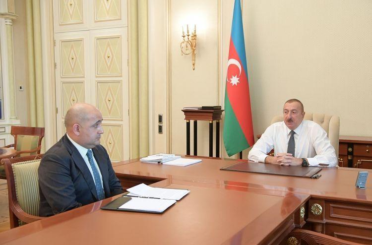 Президент Ильхам Алиев принял Исрафила Мамедова в связи с назначением его на должность исполнительного директора ГНФАР