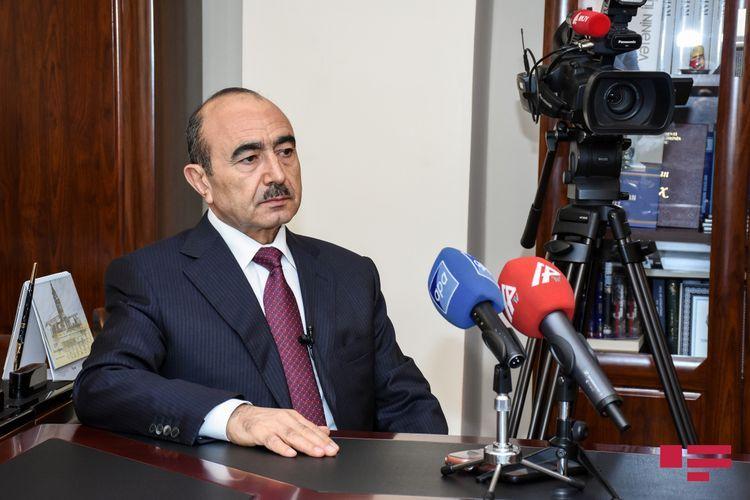 Помощник президента Али Гасанов освобожден от занимаемой должности
