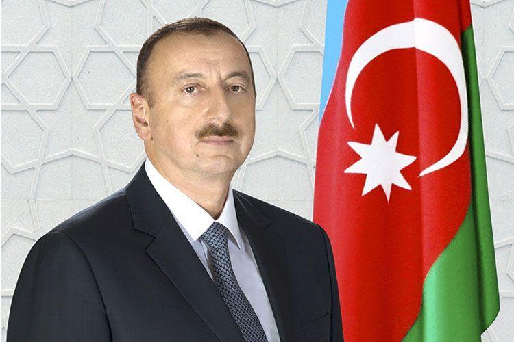 Президент Ильхам Алиев поздравил президента Лаоса