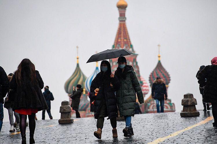 В Москве неизвестный в медицинской маске устроил стрельбу на улице