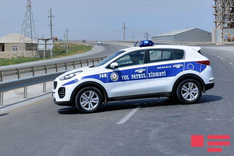 Baku police: So far attempts to pass through road patrol stations without check and permission involving 14,618 vehicles prevented