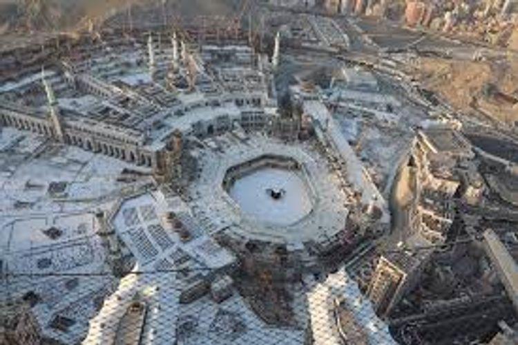 Saudi Arabia imposes 24-hour curfew in Mecca and Medina